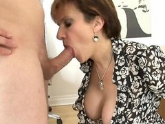 Granny solo play and squirt