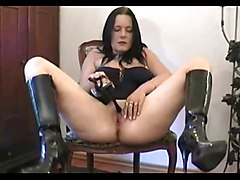 Boots, Extreme heel insertion