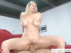 Www.my friends hot mom julia ann.com