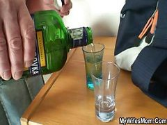 Couple, Male drinking female piss