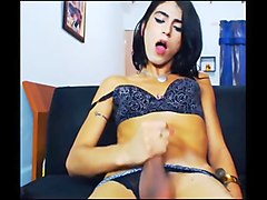 Mature anal plays on cam