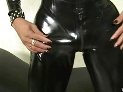 Latex, Latex angel extensor penis