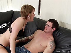 Girlfriend, I fucked by best friends hot mom