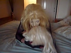 Crossdresser, Kissing, Doll, Dress, Female fighting dolls