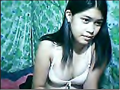Pinay ofw masturbating together with bf on skype video call