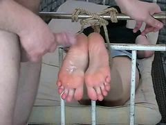 Footjob, Codees footjob